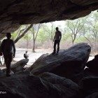 Abri sous roche dans les colline de Tsodilo (Botswana) (c)LB.