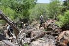 prospection dans la colline aux Baobabs (c)LB.