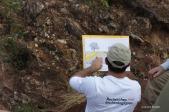 Laurent Bruxelles présente la stratigraphie de Kromdrai (c) Laurent Bruxelles