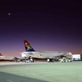 Arrivée à l'aéroport de Windhoek (c) Laurent Bruxelles