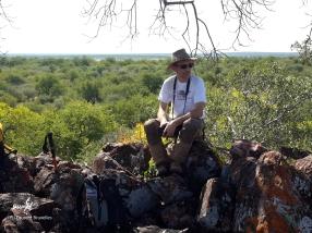 Namibie, Aha Hills, prospection dans la colline du Babouin (c) L. Bruxelles
