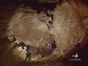 Botwana, Waxhu South sinkhole, le fond du gouffre (c) L. Bruxelles