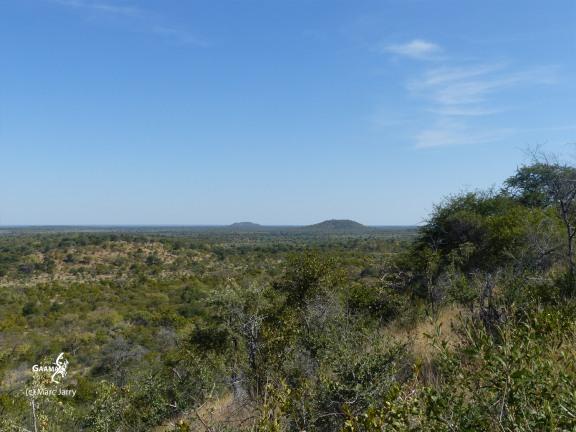 Namibie, Aha Hills, colline du Porc Epic, vue vers les collines du Moustique et du Léopard (c) M. Jarry