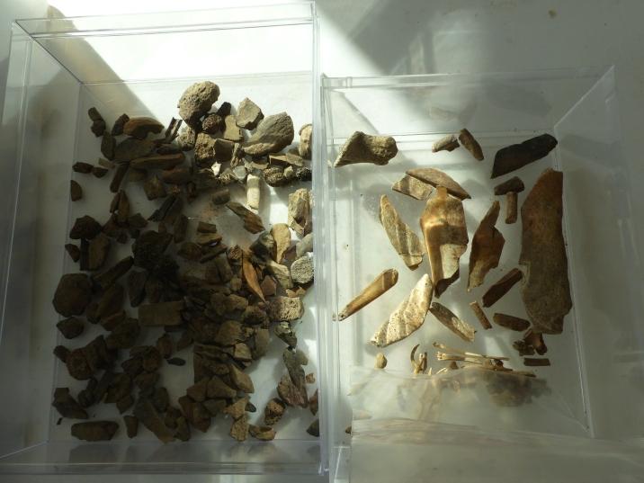 Les remblais des fouilles anciennes ont encore des choses à livrer (c) Marc Jarry