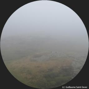 Brouillard sur le site