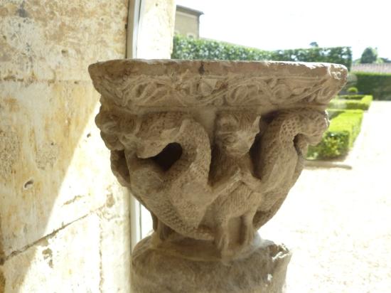Chapiteau conservé au musée des Jacobins, Auch (c) GAAMA