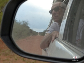Namibie, Francis Into the Wild... Interminables pistes rectilignes (c) M. Jarry.