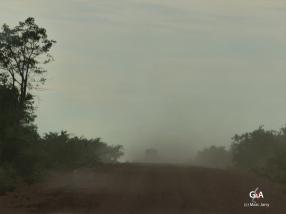 Botswana, en route, sous la pluie, vers les gouffres de Waxhu (voir diaporama supra) (c) M. Jarry.
