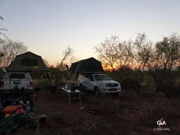 Namibie, Aha Hills. Retour au camp de base (c) M. Jarry