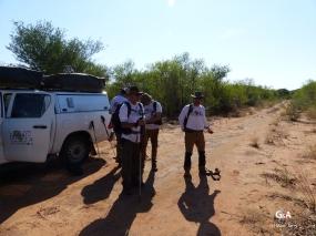 Namibie, Aha Hills. Départ en prospection (c) M. Jarry.