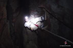Grotte du Dragon's Breath. Pendant la descente (c) Laurent Bruxelles